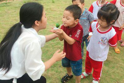 hoạt đông vui chơi của các cháu lớp Chồi 1
